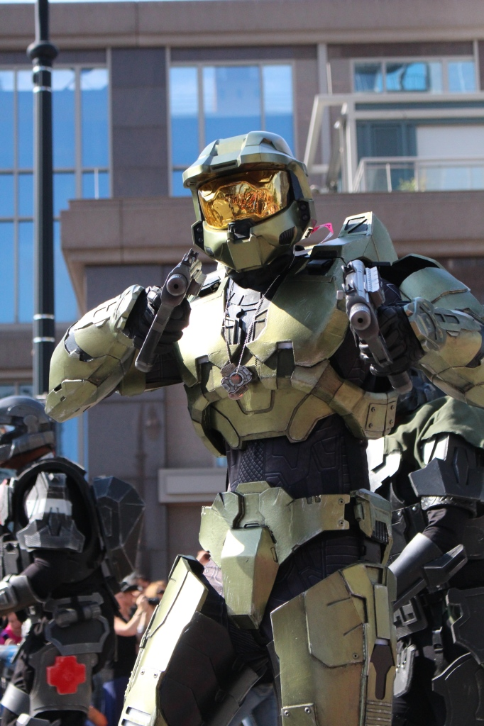 Master Chief shows off his impressive form.