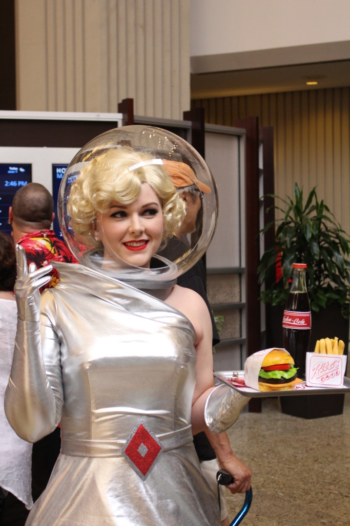 This looks like a waitress from space. We are sure she's doing a reference from something, but we don't know what. Anybody out there know? She's got a great costume.