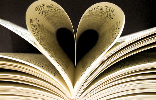 pages_in_shape_of_a_heart