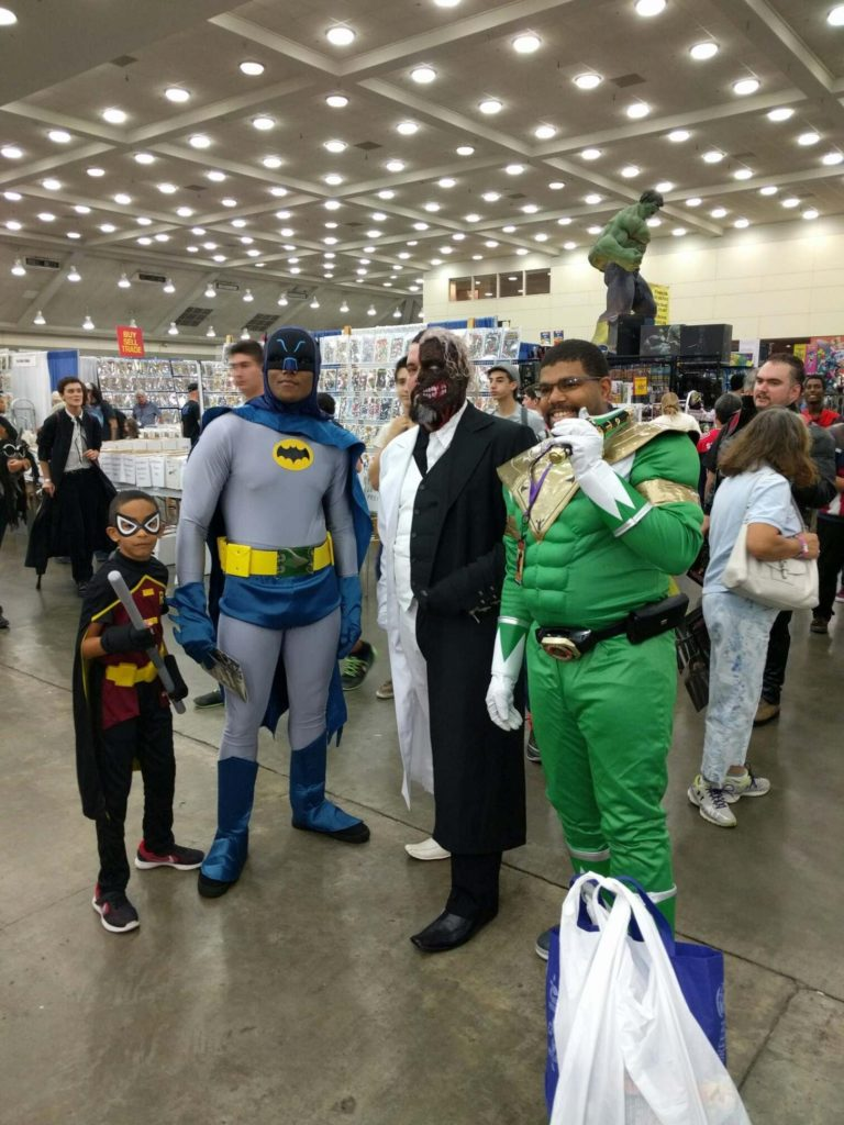 It's nice when heroes and villians can put aside their differences and have a good time at a convention.