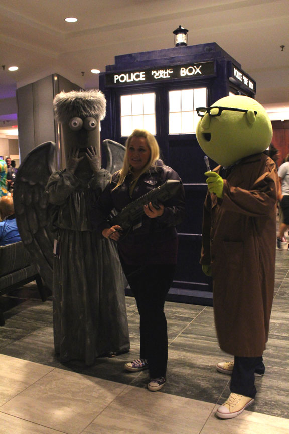 Beaker and Bunsen as the Weeping Angel, with the Tenth Doctor and Rose. Somehow this weeping angel is not too scary.