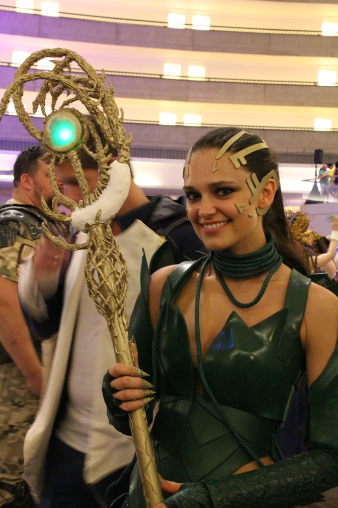 Rita Repulsa from the most recent Power Rangers movie makes an appearance. Nice example of a perfect costume incorporating powered, glowing elements.
